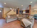 Sunriver-Vacation-Rental-21-White-Elm--Living-Room
