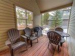 Sunriver-Vacation-Rental-21-White-Elm--Exterior-Front-Deck