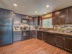 Sunriver-Vacation-Rental-21-White-Elm--Kitchen