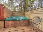 Sunriver-Vacation-Rental-21-White-Elm--Hot-Tub