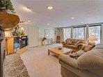 Sunriver Vacation Rental-8 Jackpine- Family Room 1