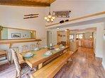 Sunriver Vacation Rental-8 Jackpine- Dining to Kitchen
