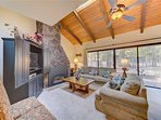 Sunriver Vacation Rental-8 Jackpine- Living Room 1