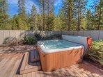 Sunriver Vacation Rental-8 Jackpine- Exterior Hot Tub