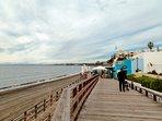playa de arena y Chiringuito de playa    Playa con arena y Chiringuito/Restaurante  'El Pirata'