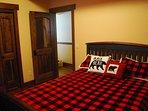 'Bear Room' Queen Bed