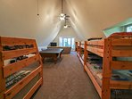 Hereford Cabin 693 - Loft with ping pong table