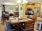 Cozy Mountain Home - Dining Six Updated Kitchen