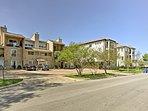 Situato in una zona residenziale, questo condominio è rifugio della coppia perfetta!