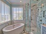 Master Bath-Beautiful Soaking Tub
