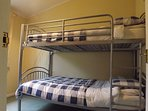 single with bunk beds