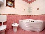Bathroom 1, Surface: 7 m²