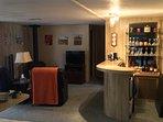 Family Room & Bar