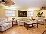 Comfortable and cozy Port Orange home. Just minutes to the beach!