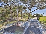 Steps from the beach and mins from the Village, this home location is 5-star.