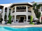 Casa MaGeo: A villa with a pool on Subic Bay