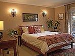 Large guest bedroom 1 suite