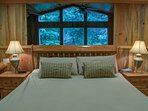 Eagle Falls lodge-Master bedroom