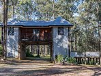 Hunter Valley Accommodation - Eclectic Vineyard Lodge - all