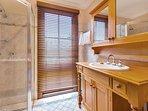 Hunter Valley Accommodation - Ballaview - Bathroom