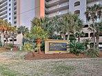 This complex is in the perfect location to enjoy the Gulf Shores!