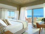Bedroom on the ground floor, all the 3 bedrooms on the floor offers sea view