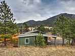Estes Park welcomes you to this updated vacation rental home!