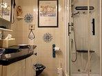 Full shower room