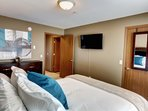 Each bedroom also has a 40' 4k Ultra HD tv