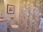 Mid-Level Full Bathroom