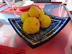 Citroner växer vilt i området.