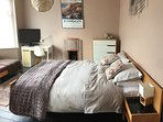 Master bedroom as kingsize bed