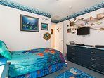 Nemo/Dory Twin Bedroom with TV, DVD, PlayStation and games