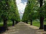 2mins away park called 'Kings Garden'.