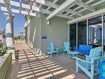 Boardwalk 905-Pool Deck