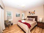 Bayside Bungalow - Master Bedroom Queen Bed