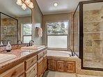 The Great Escape - Master bathroom