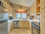 The kitchen comes fully equipped with everything you need for easy home-cooking!
