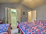 The 3 twin beds will put everyone in a patriotic mood!