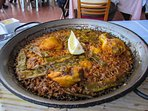 Paella at beach within 17 min via metro L.5