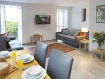 Lloc Llo - Holiday Cottages in Wales