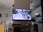 Televisión con canales internacionales en HD y recepción a través de Andorra Telecom.