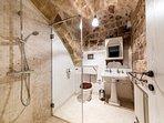 Ground floor: bathroom with big shower