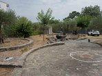 Jardín de 900 mts2 en zona especialmente tranquila a 2 kms de la playa, 800 mts de los supermercados