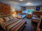 Alpine Hideaway-Upstairs Bedroom