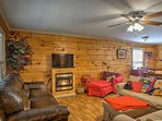 Up to 6 guests can make themselves at home amidst the rustic decor.