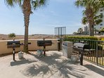 Community grill area overlooking the beach and Gulf