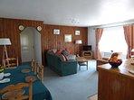 Les Camélias - Living area / Salon