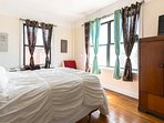 Fantastic Sunny Stylish Apt Mins from Manhattan NICE & Spacious