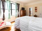 Comfortable, Stylish and Very Peaceful Private Bedroom, All the comforts of home w radiant sunlight